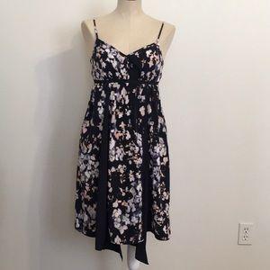 Simply Vera Navy Floral Handkerchief Dress. SzPS